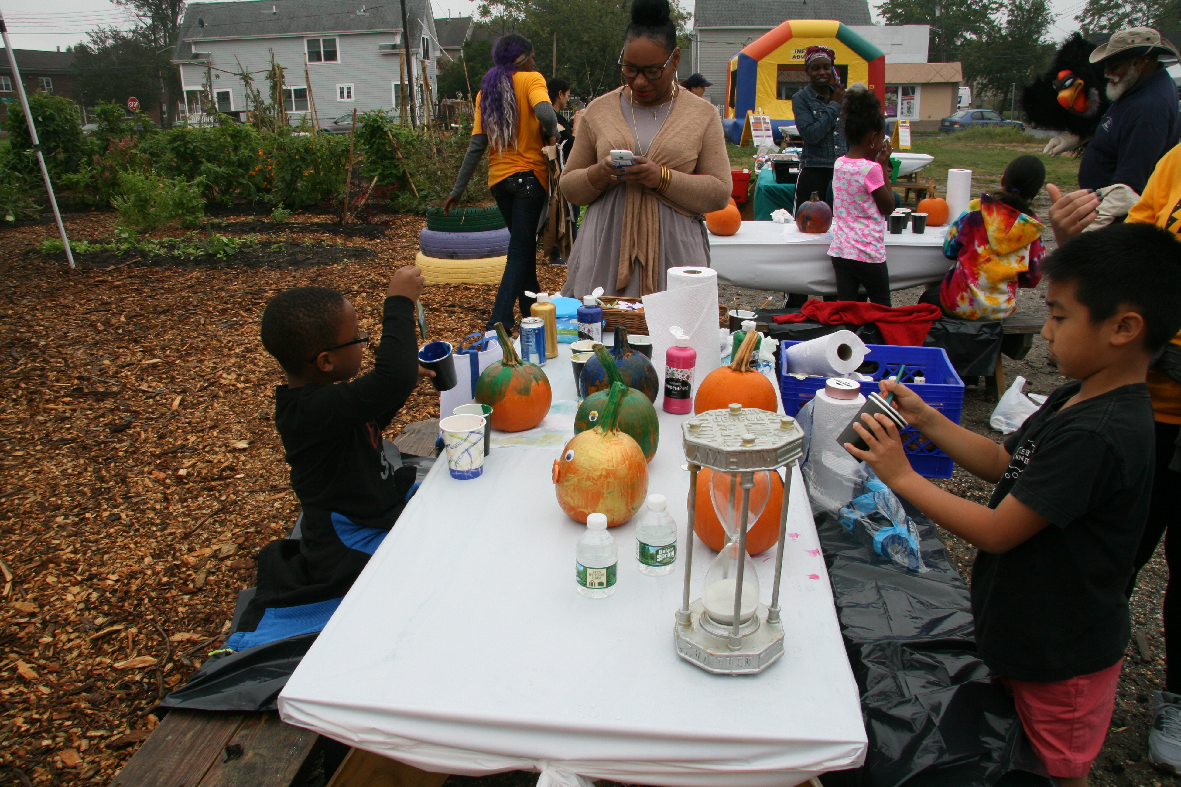 Pumpkin Painting In The Kid Zone